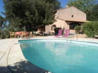 gite Varages Detached holiday home with private pool and panoramic view, 500 m from the village