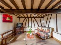 gite Marques Quaint Holiday Home in Saint-Germain-Sur-Bresle with Garden