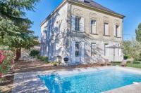 gite Rauzan New: Luxurious Wine Estate Saint-Emilion Grand with private swimming pool