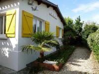 gite La Barre de Monts House Location maison saint jean de monts arbore et proche de la plage / commerce