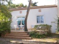 Gîte Saint Jean de Monts Gîte House Maison avec grand jardin ombrage proche commerces , plage et animations