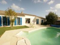 gite La Barre de Monts House Villa avec piscine couverte