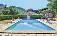 gite Bésignan Beautiful home in Saint Leger du Ventoux w Outdoor swimming pool, Outdoor swimming pool and 2 Bedrooms