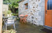 gite Caurel Awesome home in Saint Martin des Pres w 1 Bedrooms