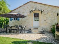 gite Monflanquin Peaceful Holiday Home Saint-Martin-le-Redon with Pool
