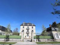 gite Capdrot Spacious Holiday Home in Saint-Martin le Redon with Garden