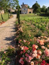 gite Saint Philippe d'Aiguille Allée des Roses
