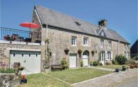 gite Champ du Boult Three-Bedroom Holiday Home in St-Michel-de-Montjoie