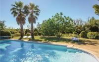 gite Pézenas Stunning home in St Pons de Mauchiens w Outdoor swimming pool, Outdoor swimming pool and 4 Bedrooms