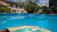 gite Montmoreau Saint Cybard 'La Maison Catalpa' French Farmhouse with Pool et Jaccuzi