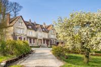 gite Onlay Saint-Prix-les-Arnay Chateau Sleeps 12 Pool WiFi