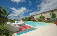 gite Gensac Stunning home in St. Quentin de Caplong w 2 Bedrooms