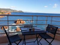 gite Les Adrets de l'Estérel Formidable studio avec vue mer