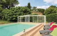 gite Saint Just Awesome home in Saint Restitut w Outdoor swimming pool, Outdoor swimming pool and 5 Bedrooms