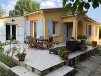 gite Châteaurenard maison spacieuse et confortable