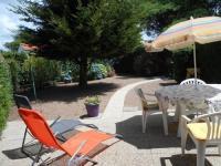 Gite Saint Vincent sur Jard House avec jardin 800 m de la plage, résidence avec piscine pour 4/6 pers