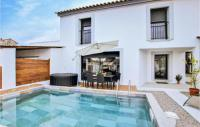 gite Martigues Beautiful home in Salon de Provence w Outdoor swimming pool, WiFi and 2 Bedrooms