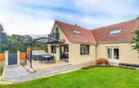 gite Wismes Stunning home in Ledinghem with Jacuzzi, Sauna and WiFi