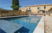 gite Saint Rémy de Provence Beautiful home in Sernhac w Outdoor swimming pool, WiFi and 4 Bedrooms