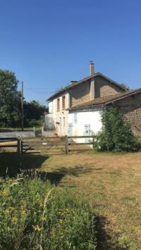 gite Les Forges 3-Bed Rustic French Cottage