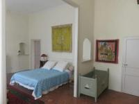 gite Eyragues Serene Holiday Home in Tarascon with Patio