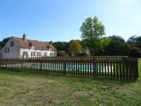 gite Lazenay Longère solognote de 250m2, piscine et parc privé