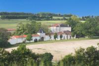 gite Saint Saturnin du Bois The Chateau at Petit Champagne