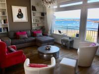 Villa les Pieds dans l'Eau-Holiday-Home-Tregastel