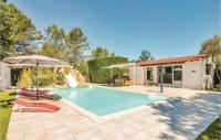 gite Nans les Pins Six-Bedroom Holiday home Trets 0 09