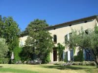Beautiful Mansion in Vaison-la-Romaine with Swimming Pool-Le-Grand-Cedre