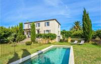 gite Arles Nice home in Valabrègues w Outdoor swimming pool and 3 Bedrooms