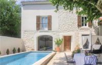 gite Avignon Three-Bedroom Holiday Home in Vedene