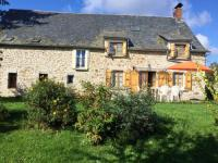 Gîte Cantal Gîte House with 6 bedrooms in Veyrieres with enclosed garden and WiFi 15 km from the beach