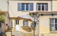 gite Pouzilhac Amazing home in Villeneuve les Avignon w Outdoor swimming pool, WiFi and Outdoor swimming pool