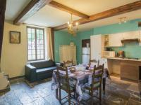 Elegant Cottage in Vireux-Wallerand with Terrace-Gite-Vi