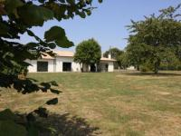 gite Saint André de Cubzac HOUSE GITE 8 personnes Gîte Basmatho.