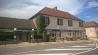 Hôtel Noyant d'Allier Hotel du Commerce