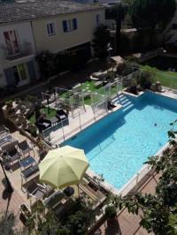 Hotel Kyriad Vitrolles en Lubéron Hotel The Originals Aix-en-Provence Nord Le Village Provençal (ex Inter-Hotel)
