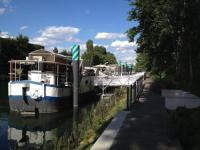 gite Paris 18e Arrondissement Boat For Guest