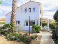 Holiday Home Les Vives-Holiday-Home-Les-Vives