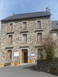 Chambre d'Hôtes Montgreleix Gîte rural et Chambres d'hôtes Le Fromentou