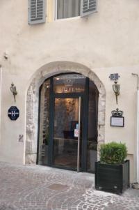 Hotel-de-la-Couronne Aix les Bains