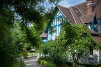 Hôtel Bréval Hotel The Originals Le Jardin des Plumes (ex Relais du Silence)