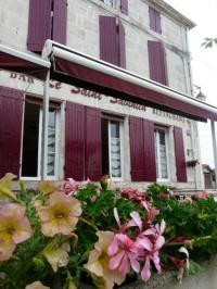 Hôtel Taillebourg hôtel Le Saint Savinien