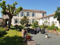 Hôtel Fenioux hôtel Domaine de Chantageasse