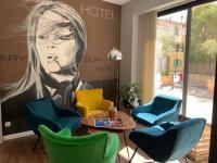 Hôtel Six Fours les Plages Holidays et Work HOTEL RESTAURANT