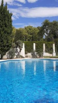 Hotel Kyriad Maussane les Alpilles Hotel Villa Glanum