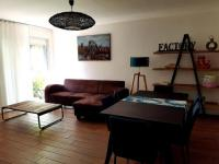 gite Montpellier Appart' attitude - pop lounge/cosy blue
