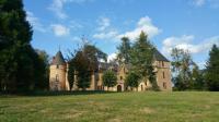 gite Ambierle Château de Bussolles