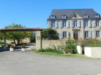 Hôtel Lelin Lapujolle hôtel Château Sauvéméa